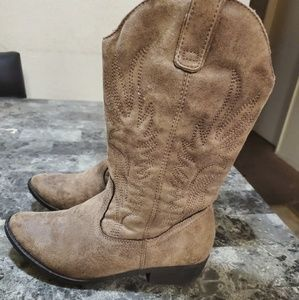🐞Sonoma boots size 5🌹